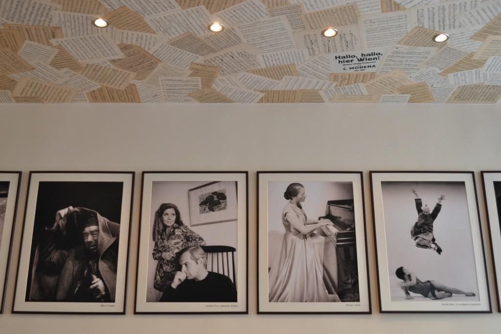 arts & cafe wall