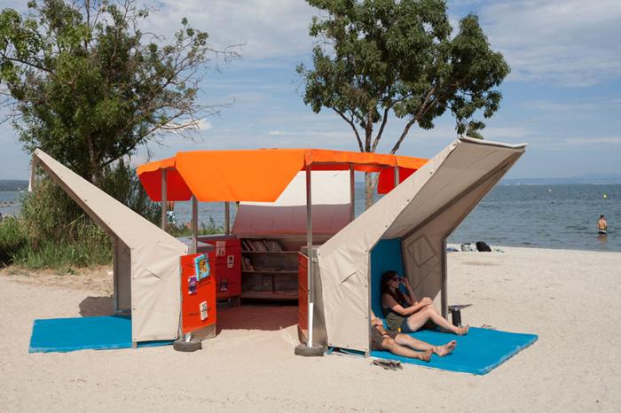 1_matali-crasset-bibliobeach-beach-library-france